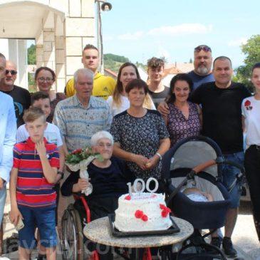 STIPANIĆI: Sto godina bake Bosiljke Krišto – žene koja moli za sve nas!