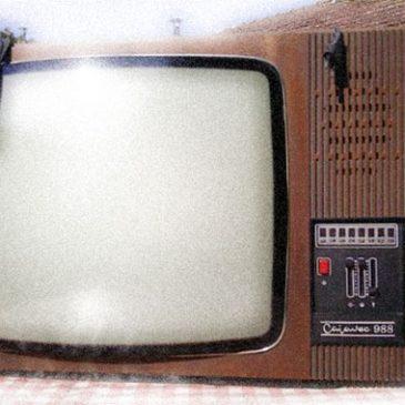 TELEVIZOR U BOJI