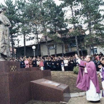 IZ ARHIVE: Otkrivanje spomenika braniteljima u Tomislavgradu