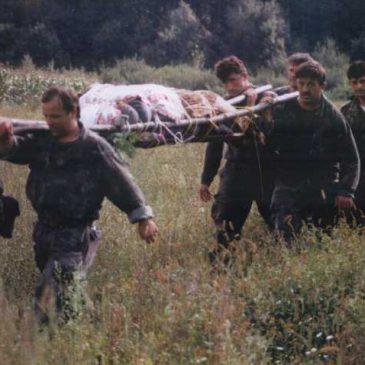 RATNA PRIČA: Hrvatski su vojnici nosili tijelo poginulog suborca