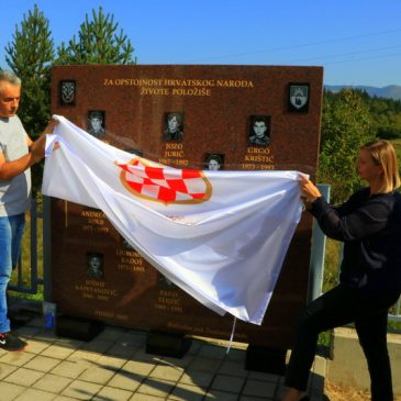PIDRIŠ/ USKOPLJE: Otkriveno spomen-obilježje za 13 poginulih pripadnika Brigade kralja Tomislava
