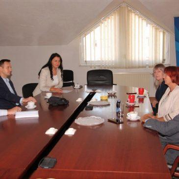 VLADA HBŽ: Ministrica Gordana Nakić održala radni sastanak s načelnikom Tomislavgrada i ravnateljima OŠ općine Tomislavgrad